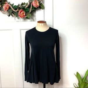 Lululemon Black Fit & Flare High Low Style Top